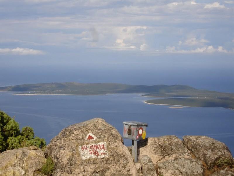 Wandern auf der Insel der Delphine-Sv.Mikula