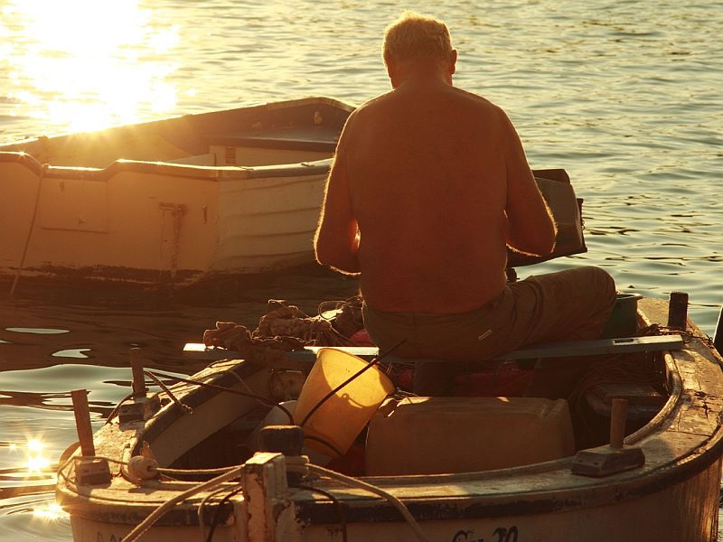 How fishermen catch fish – fishing with the world champion