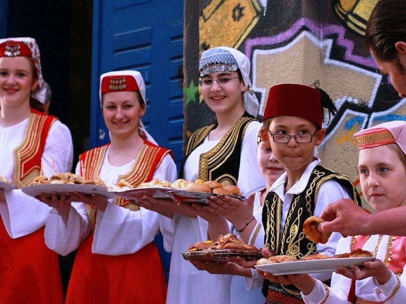 Der Balkan Lädt zu Tisch - Eine Rundreise auf den Balkan gefällt auch Feinschmeckern.