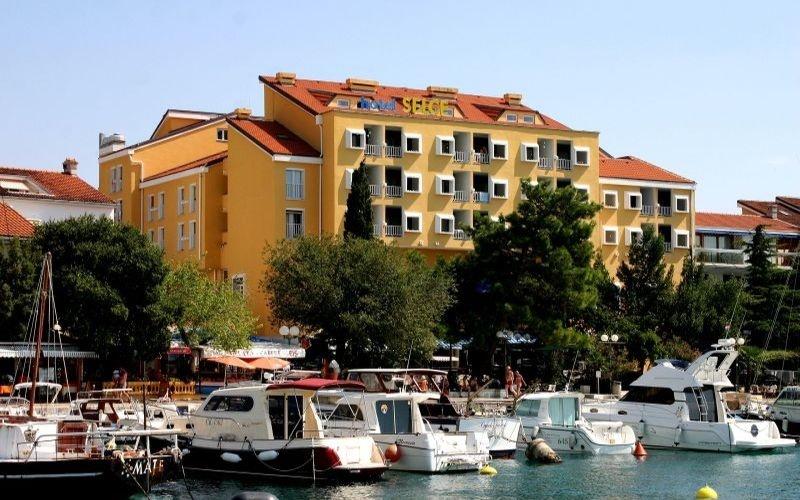 Hotel Selce - Selce