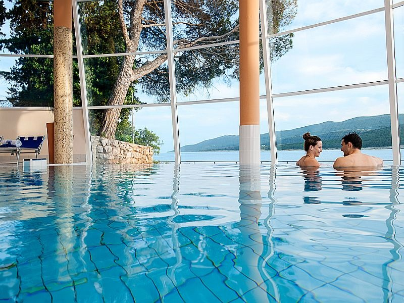 Hotel   valamar   sanfior  indoor  pool