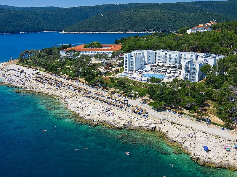 Hotel  and   casa   valamar   sanfior  air  view